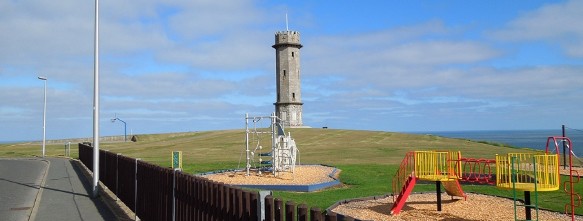 Photograph of Macduff War Memorial from playpark