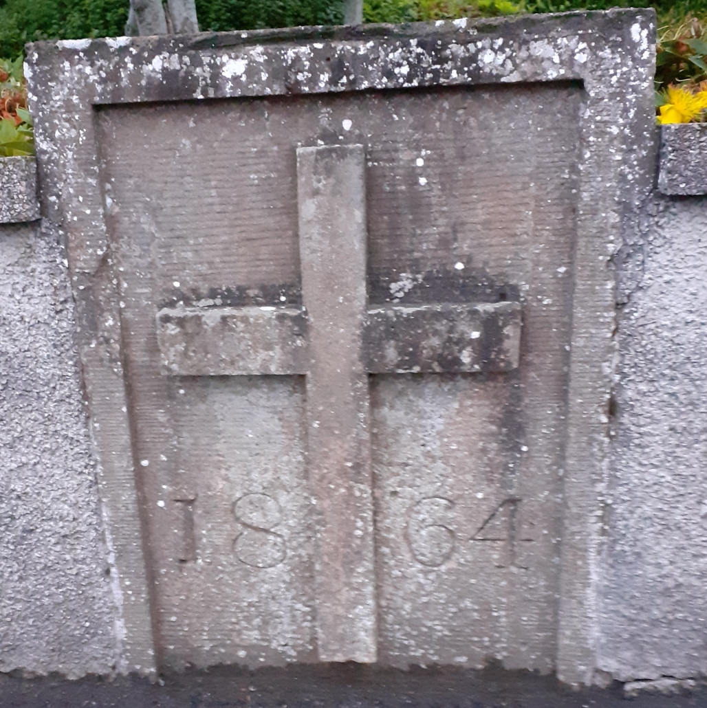 A cross in the wall
