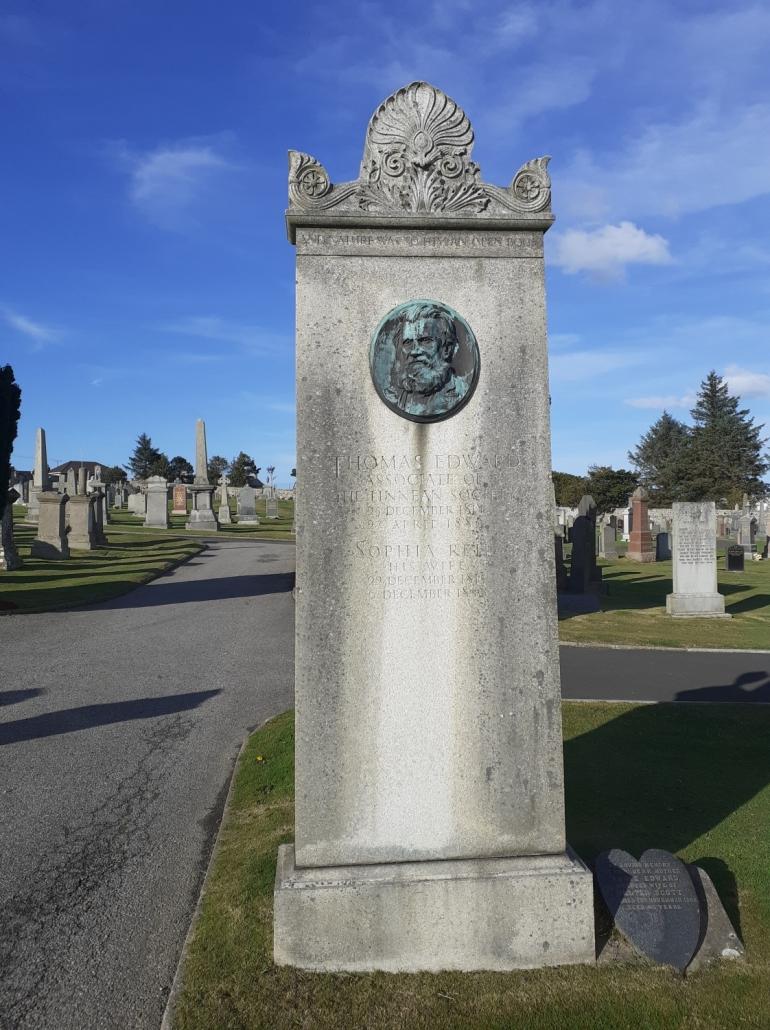 Thomas Edward gravestone